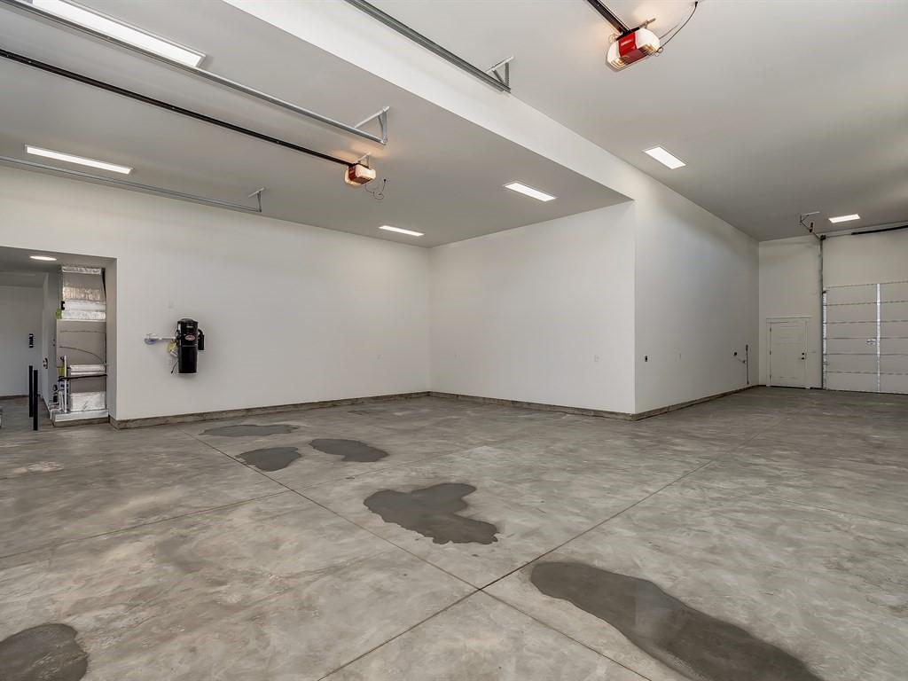 007_Garage