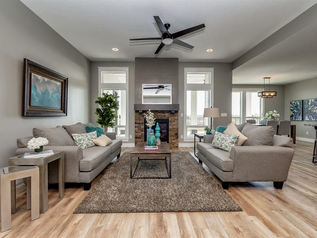 017_Living Room